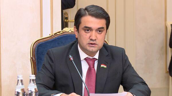 Председатель Совета Федерации РФ Валентина Матвиенко и глава палаты парламента Таджикистана Рустам Эмомали - Sputnik Таджикистан