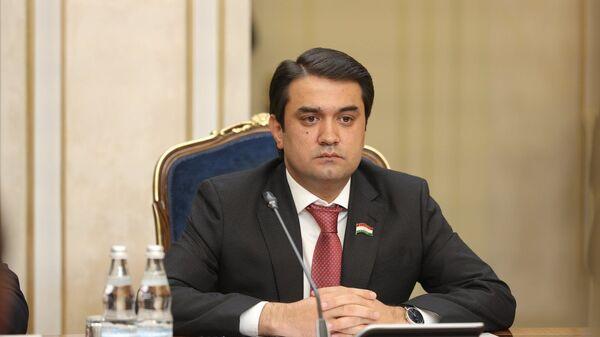 Спикер верхней палаты парламента Таджикистана Рустам Эмомали в Москве - Sputnik Таджикистан