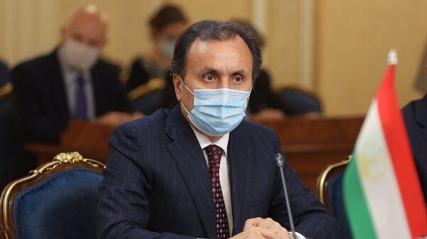 Чрезвычайный и Полномочный посол Имомуддин Сатторов на переговорах России и Таджикистана - Sputnik Тоҷикистон