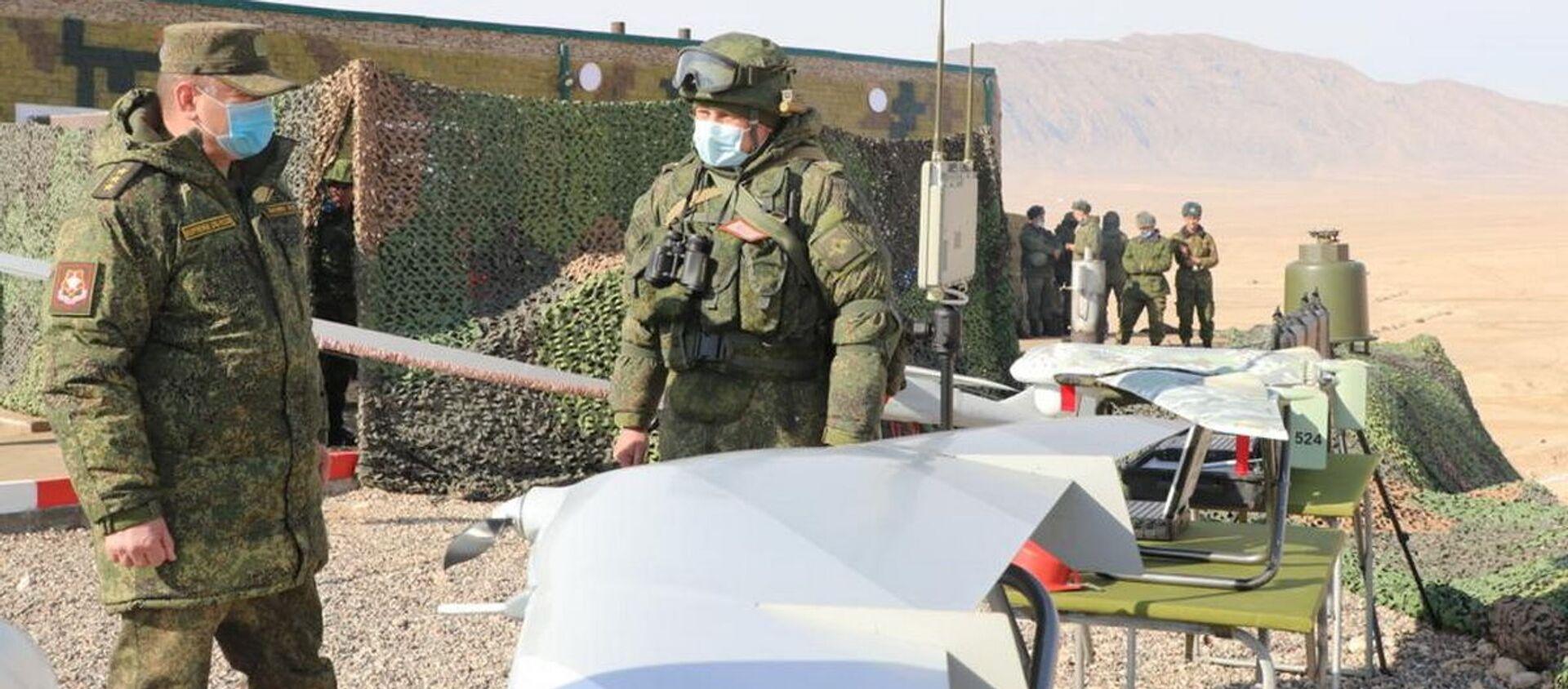 Завершился основной этап совместного учения военнослужащих 201-й российской военной базы и подразделений вооруженных сил Республики Таджикистан - Sputnik Таджикистан, 1920, 28.01.2021