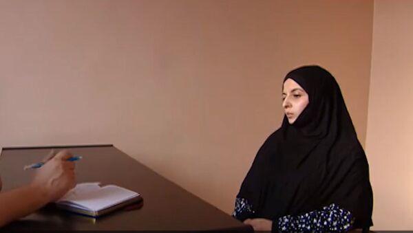 Скриншот из видео Вербовщица ИГИЛ рассказала, как детей превращают втеррористов - Sputnik Тоҷикистон
