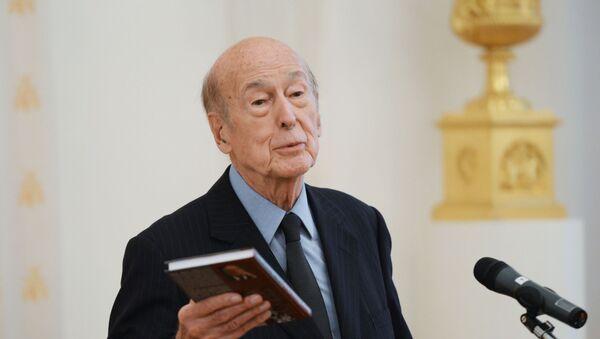 Экс-президент Франции Валери Жискар д'Эстен  - Sputnik Таджикистан
