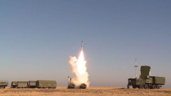 """С-400 """"Триумф"""" в действии - эффектные кадры испытаний от Минобороны России - YouTube - Sputnik Таджикистан"""
