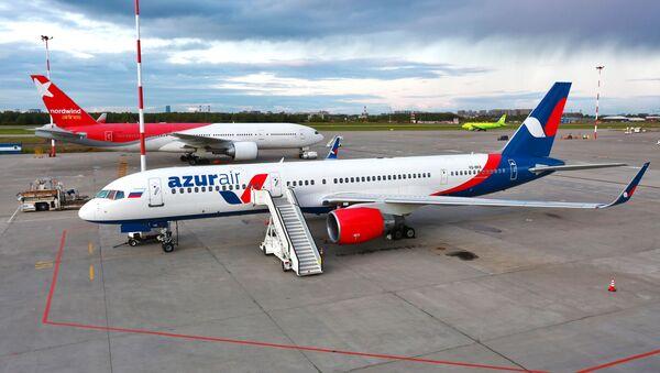Самолет авиакомпании Azur Air - Sputnik Тоҷикистон