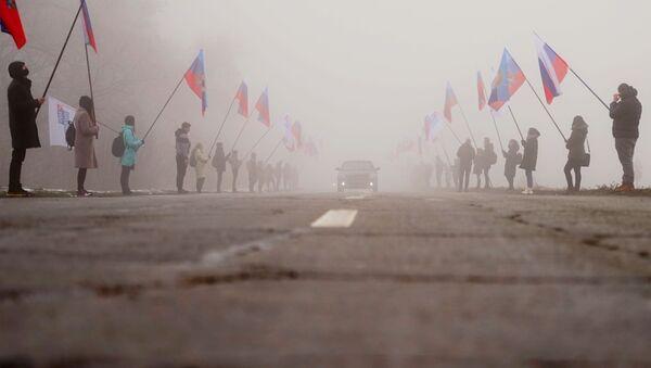 Сотый гуманитарный конвой из России прибыл в Донбасс - Sputnik Таджикистан