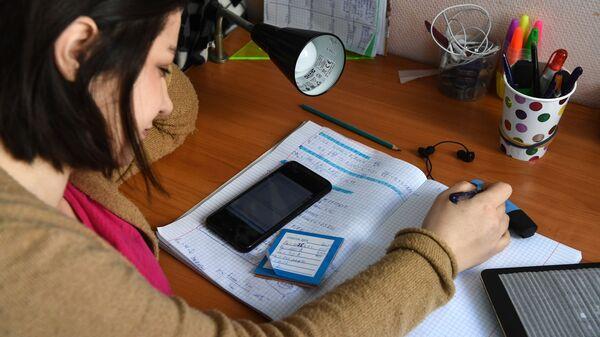 Студентка Новосибирского государственного технического университета (НГТУ)  - Sputnik Тоҷикистон