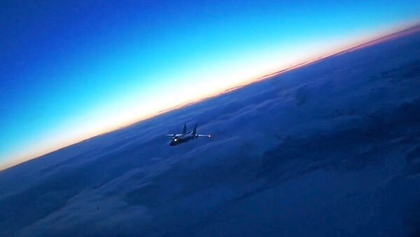 Ночной перехват на Камчатке: МиГ-31БМ остановил самолет условного противника - YouTube - Sputnik Таджикистан