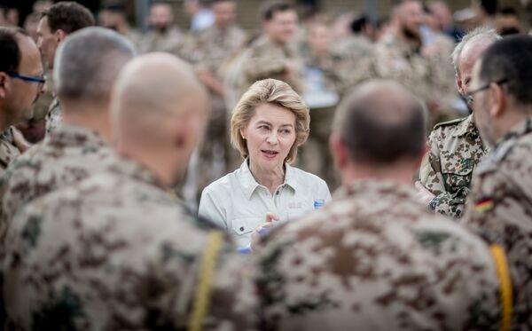 Министр обороны Германии Урсула фон дер Ляйен, 2018 год  - Sputnik Таджикистан