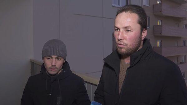 Двое парней из Таджикистана спасли местных жителей от пожара в жилом доме в Ленинградской области - Sputnik Таджикистан