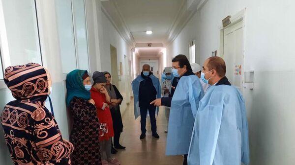 Министр здравоохранения и социальной защиты Республики Таджикистан Джамолиддин Абдуллозода посетил родильное отделение Центральной больницы Вахдата - Sputnik Тоҷикистон