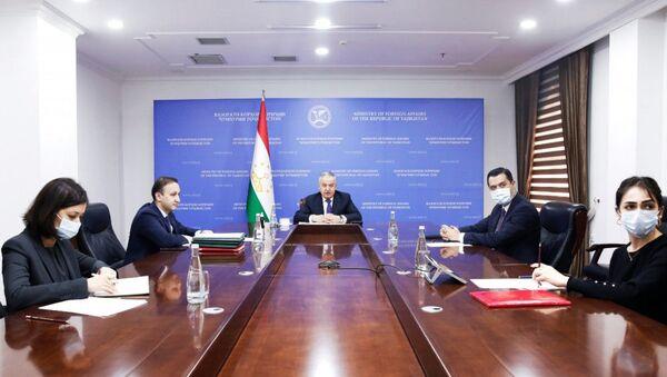 Министр иностранных Сироджиддин Мухриддин на заседании Совета министров иностранных дел государств-участников СНГ - Sputnik Таджикистан