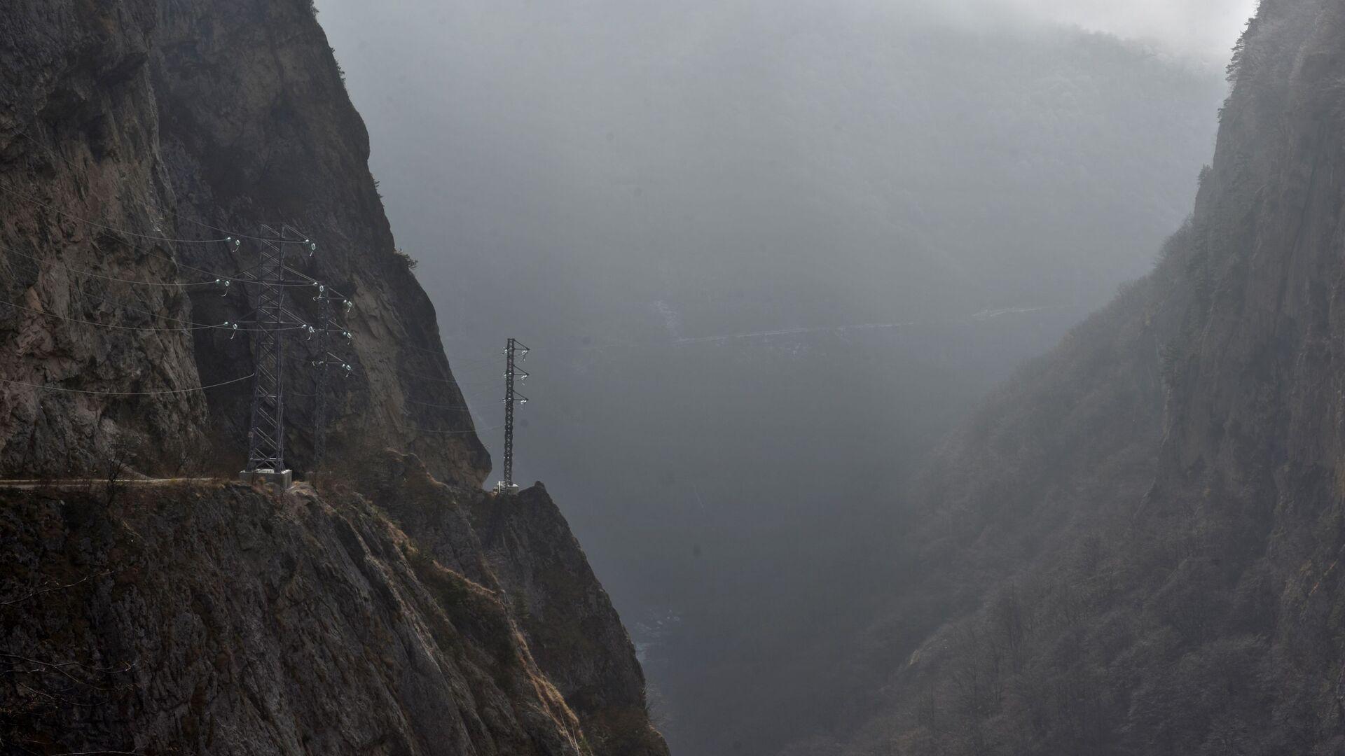 Туман в горах, архивное фото - Sputnik Тоҷикистон, 1920, 15.04.2021