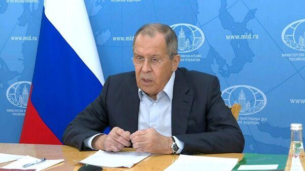 Лавров заявил о попытках западных стран начать гонку вакцин - Sputnik Тоҷикистон