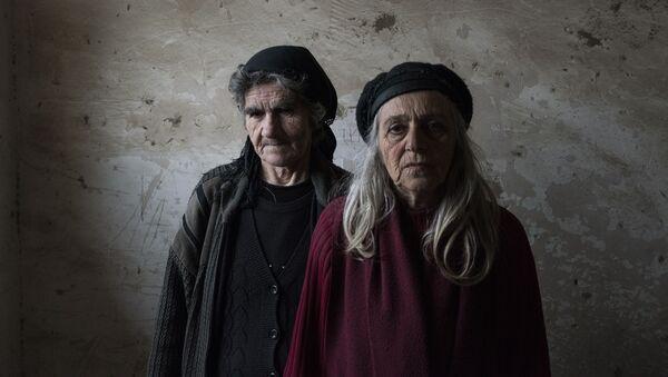 Пожилые женщины в городе Мартакерт в Нагорном Карабахе - Sputnik Таджикистан
