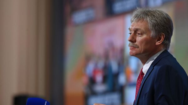 Заместитель руководителя администрации президента, пресс-секретарь президента РФ Дмитрий Песков - Sputnik Тоҷикистон