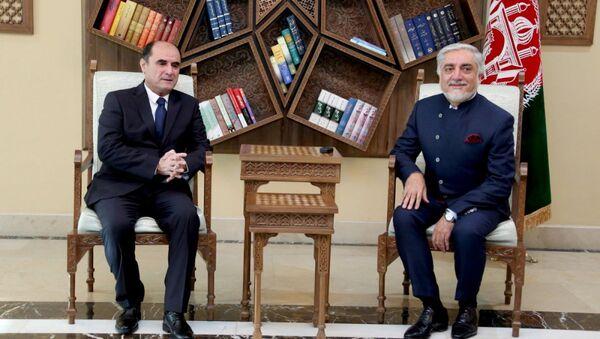 В Кабуле Посол Республики Таджикистан в Исламской Республике Афганистан Саади Шарифи встретился с Председателем Высшего совета национального примирения Афганистана доктором Абдуллой Абдуллой - Sputnik Тоҷикистон