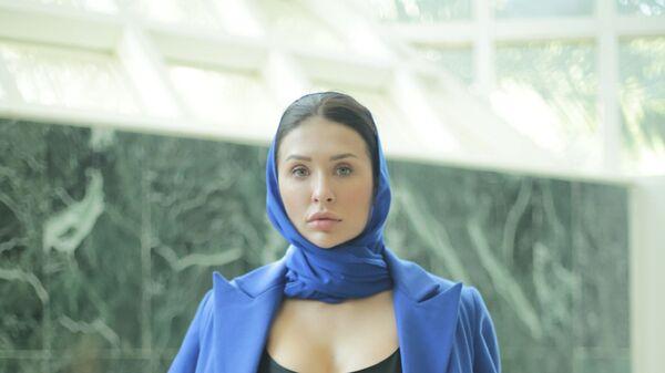 Таджикская модель Карина Комил - Sputnik Таджикистан