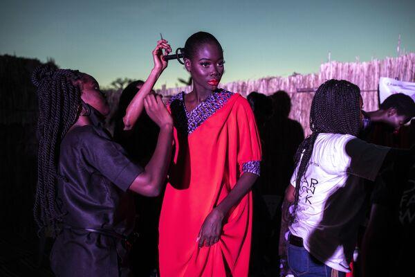 Модный показ Dakar Fashion Week в Сенегале - Sputnik Таджикистан