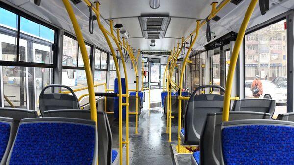 В салоне нового троллейбуса в Душанбе - Sputnik Тоҷикистон