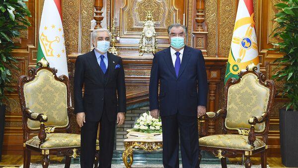 Встреча министра иностранных дел Таджикистана Сироджиддина Мухриддина с председателеи высшего совета Афганистана Абдулла Абдуллой  - Sputnik Таджикистан