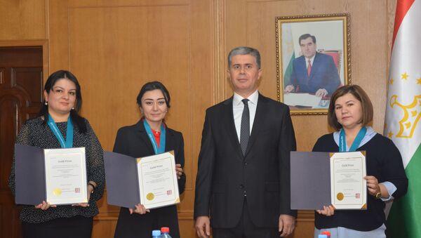 Три золотые медали таджикских женщин на мировом конкурсе женщин-изобретателей - Sputnik Тоҷикистон