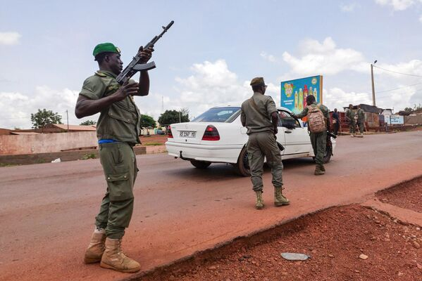 Ситуация в Мали в связи с военным переворотом, 18 августа 2020 года - Sputnik Таджикистан