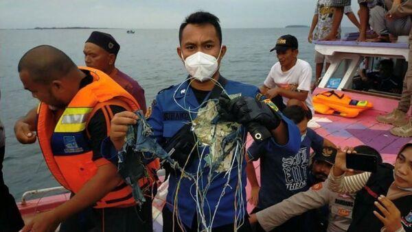 Крушение самолета в Индонезии - Sputnik Таджикистан