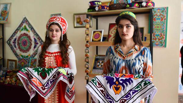 Первый Русский культурно-просветительский центр соотечественников открылся в Таджикистане - Sputnik Тоҷикистон