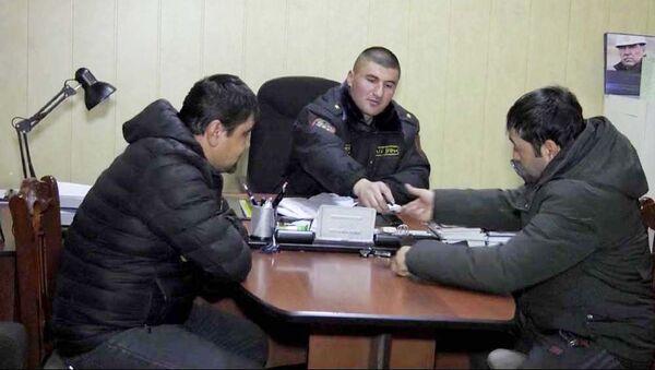 Задержаные полицией в Худжанде за азартные игры - Sputnik Тоҷикистон
