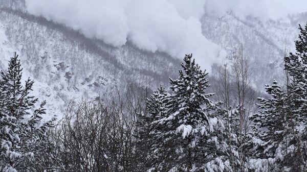 Сход лавины, архивное фото - Sputnik Таджикистан