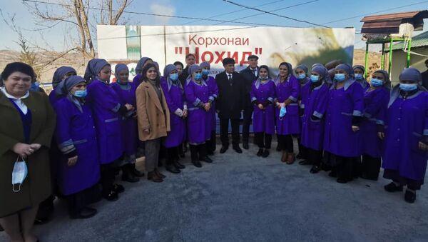Открытие первого филиала текстильно-швейного предприятия «Нохид» в Душанбе - Sputnik Таджикистан
