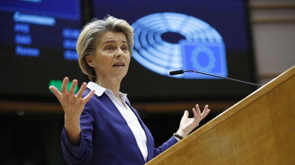 Председатель Европейской комиссии Урсула фон дер Ляйен - Sputnik Тоҷикистон