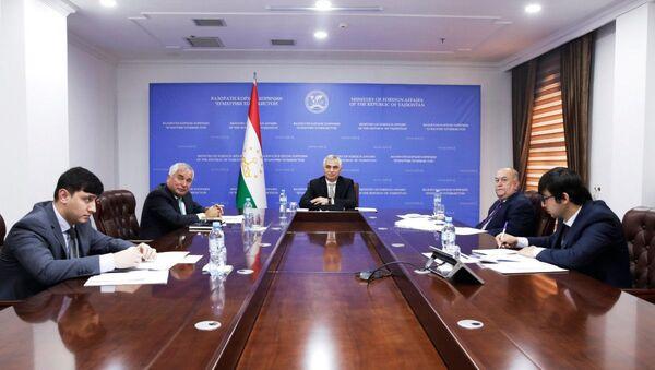 Первые политические консультации между Таджикистаном и Оманом - Sputnik Тоҷикистон
