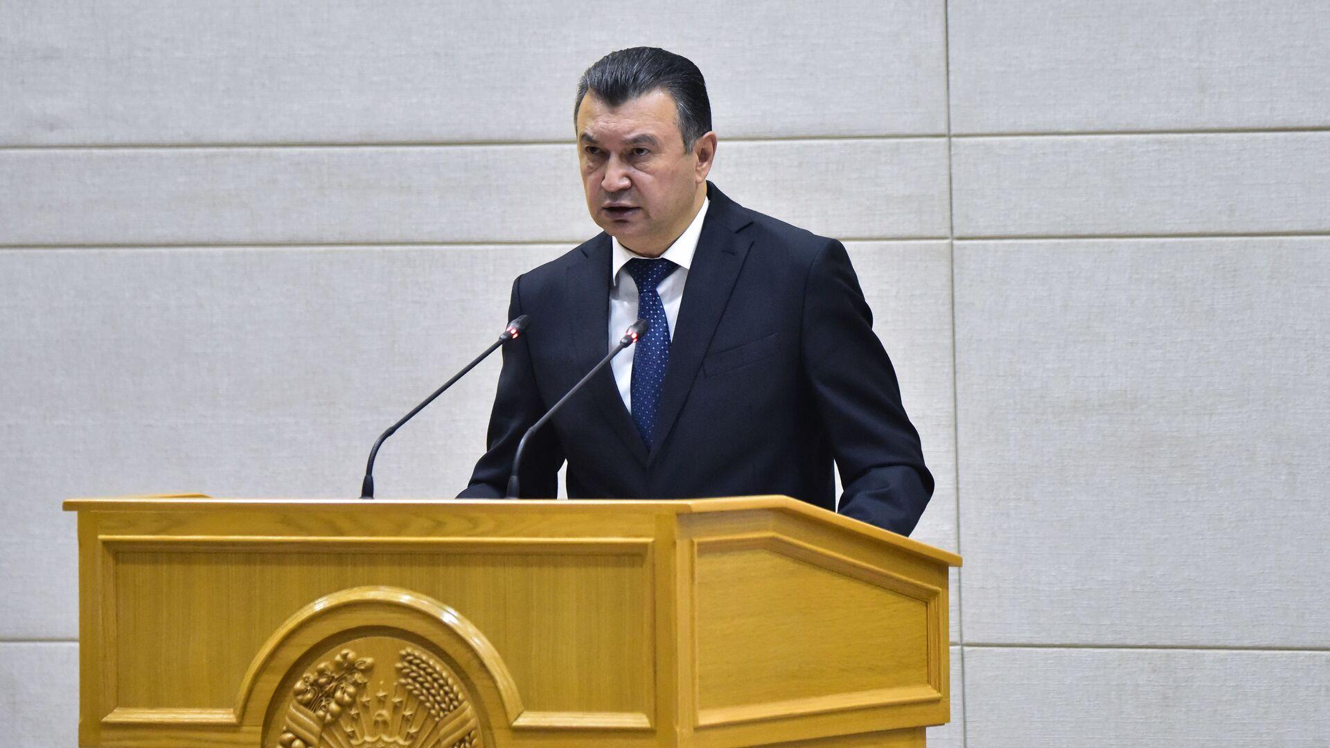Премьер-министр Таджикистана Кохир Расулзода на заседании правительства 2021 - Sputnik Тоҷикистон, 1920, 29.07.2021
