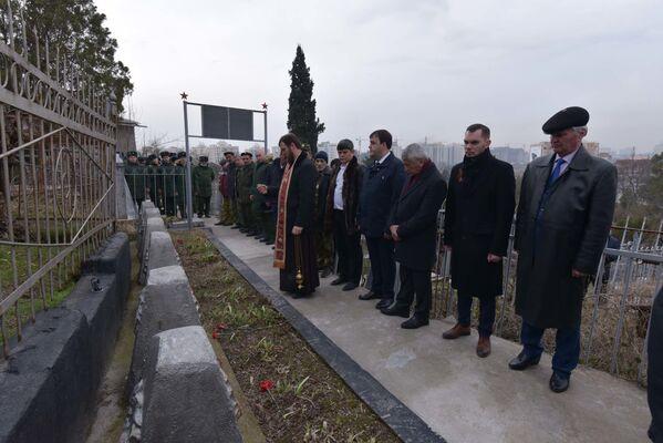 Военные и общественные деятели посетили и Могилу Неизвестного Солдата - Sputnik Таджикистан