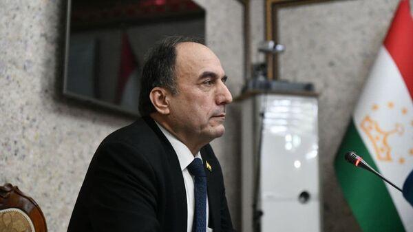 Министр транспорта РТ Азим Иброхим - Sputnik Таджикистан