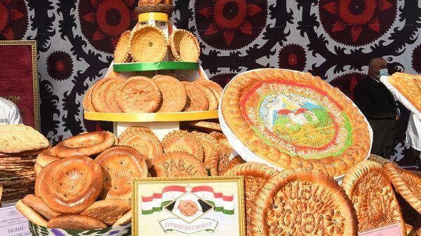 Достижения народного хозяйства на выставке в Согдийской области - Sputnik Таджикистан