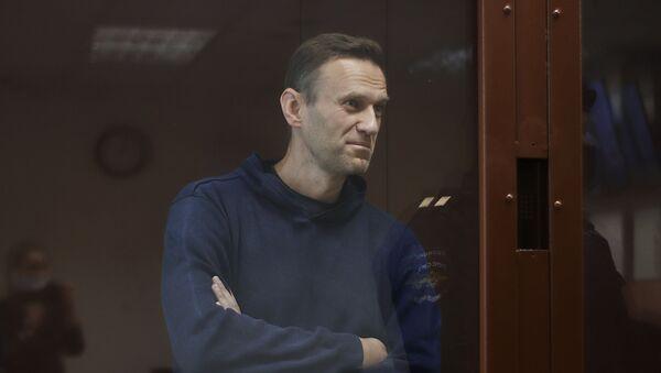 Алексей Навальный в зале Бабушкинского районного суда - Sputnik Таджикистан
