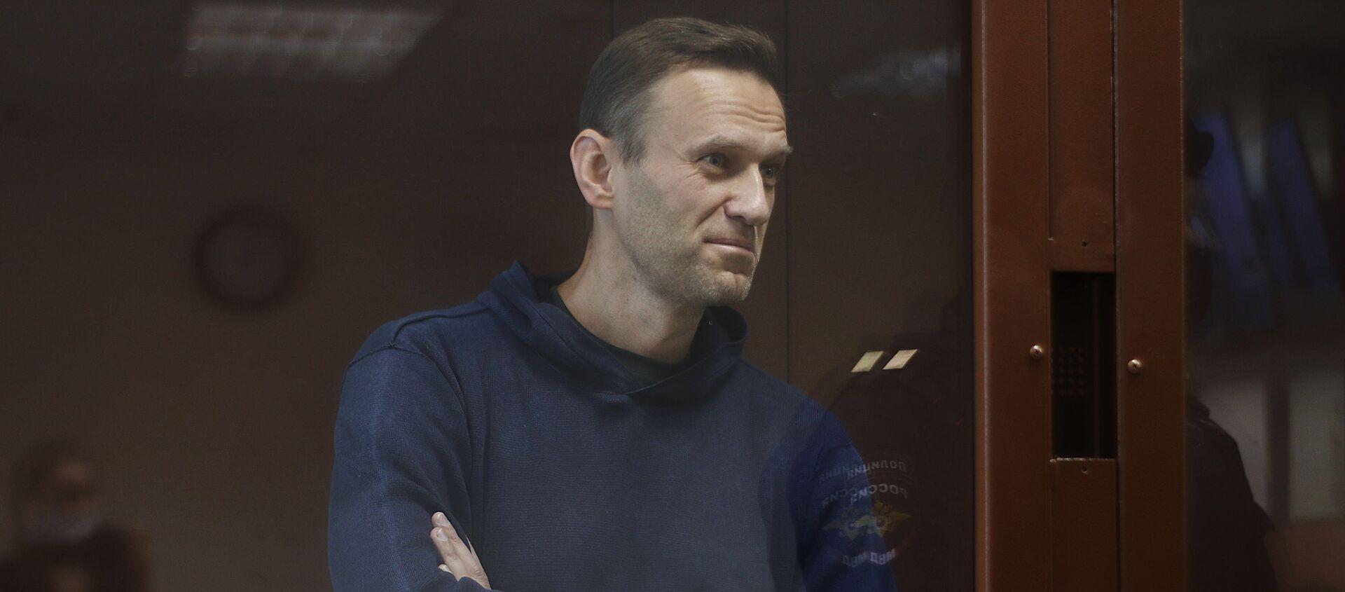 Алексей Навальный в зале Бабушкинского районного суда - Sputnik Таджикистан, 1920, 06.02.2021