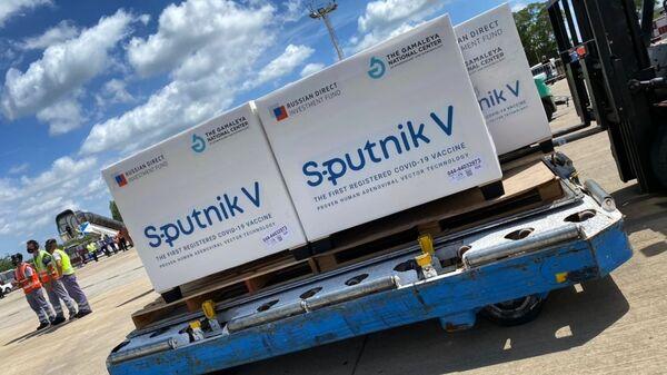 Прибытие рейса с вакциной Sputnik V в Аргентину - Sputnik Таджикистан