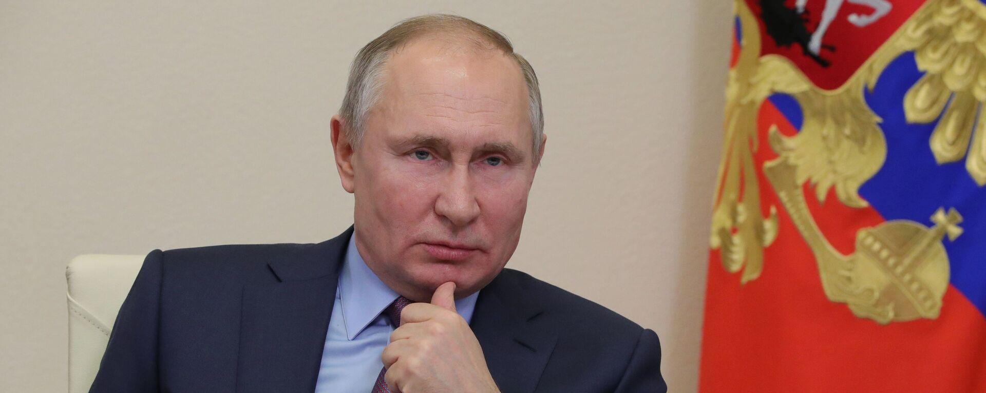 Президент РФ В. Путин на совещании - Sputnik Таджикистан, 1920, 10.02.2021
