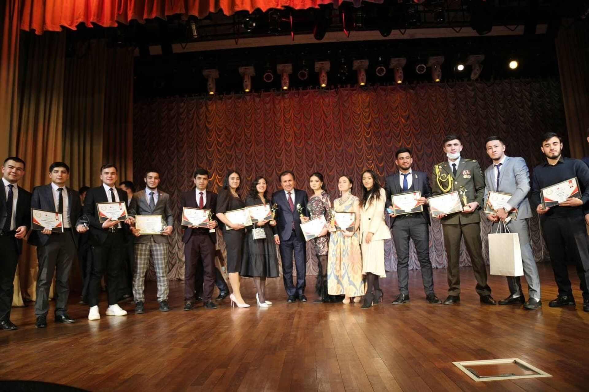 В Москве вручили премии лучшим таджикским студентам - Sputnik Таджикистан, 1920, 06.04.2021