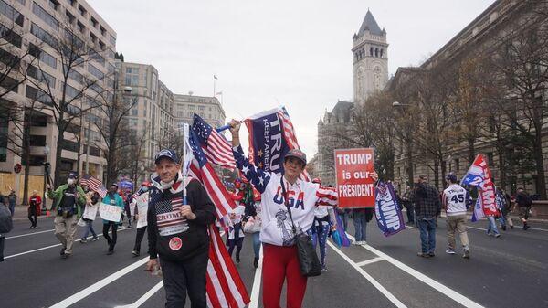 Акция сторонников Трампа в Вашингтоне - Sputnik Таджикистан