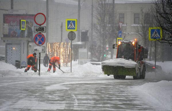 Снегопад в Москве - Sputnik Таджикистан