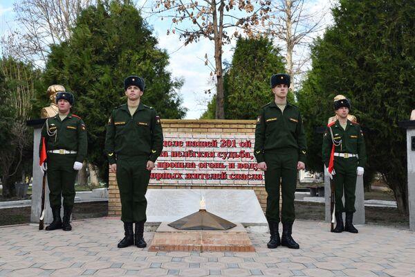 Дата выбрана неслучайно. Именно 15 февраля1989 года колоннысоветских войскпокинули территориюАфганистана - Sputnik Таджикистан