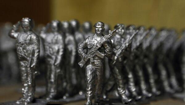 Некрашеные оловянные солдатики - Sputnik Таджикистан