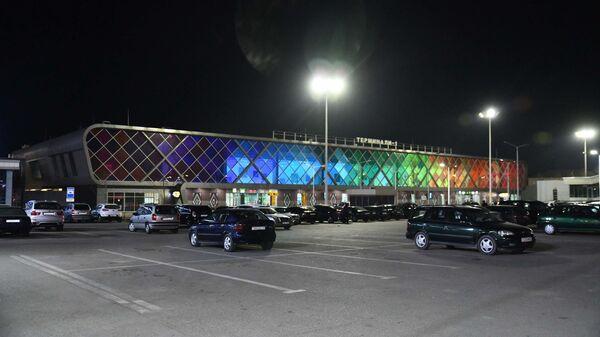 Аэропорт в Душанбе ночью, архивное фото - Sputnik Таджикистан