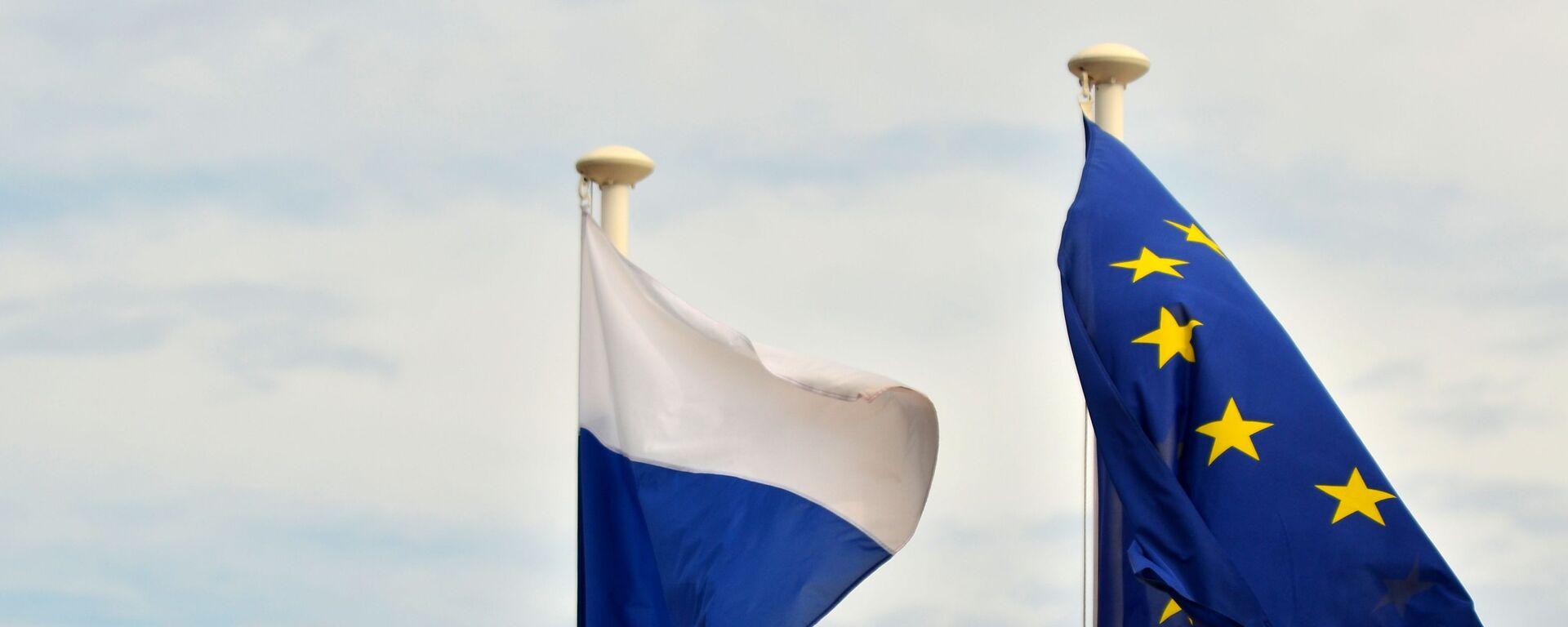 Флаги России и ЕС  - Sputnik Таджикистан, 1920, 18.06.2021