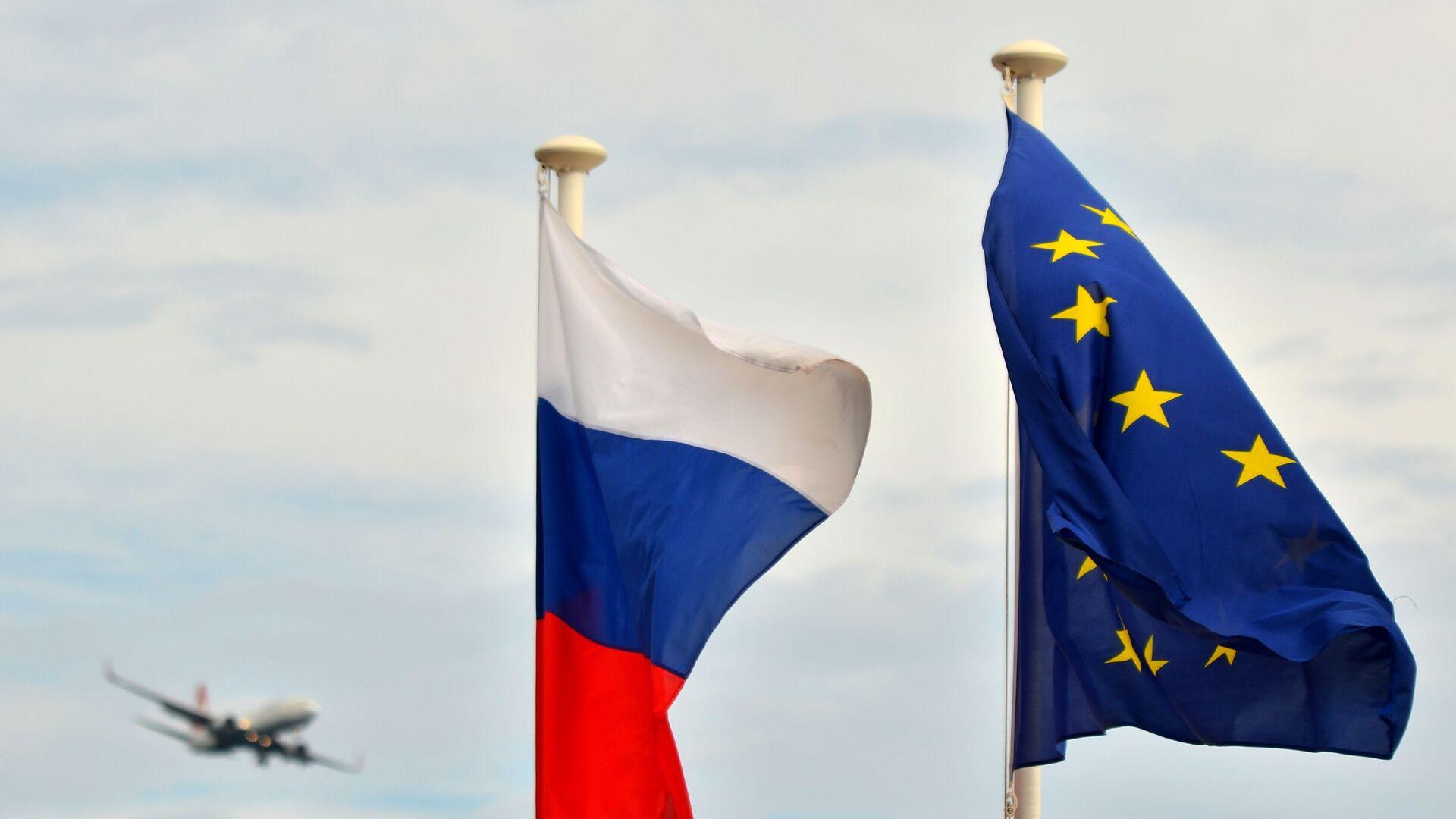 Флаги России и ЕС  - Sputnik Таджикистан, 1920, 20.02.2021