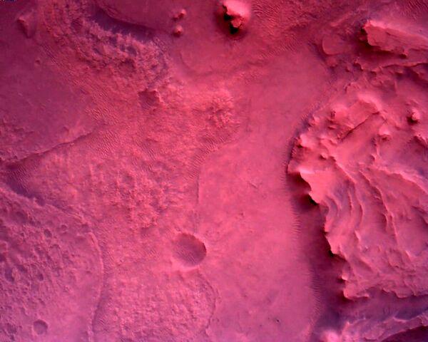 Фотографии, снятые исследовательским аппаратом NASA's Perseverance Mars Rover с помощью камеры Rover Down-Look Camera - Sputnik Таджикистан